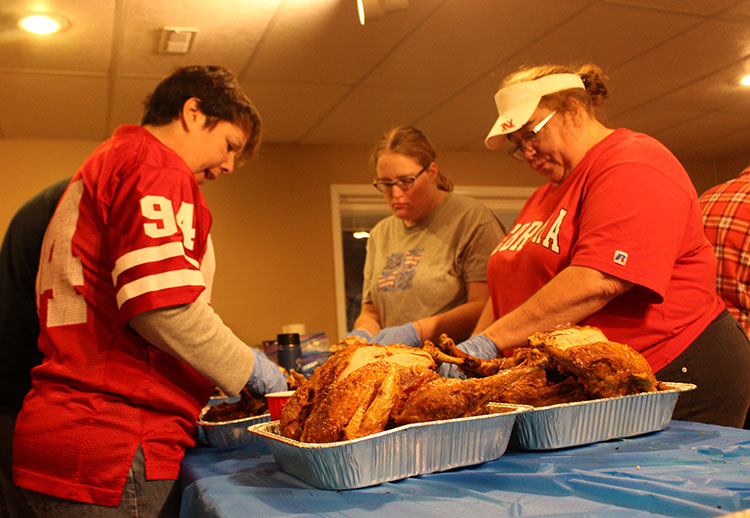 COM_Tim Stephan turkeys_volunteers