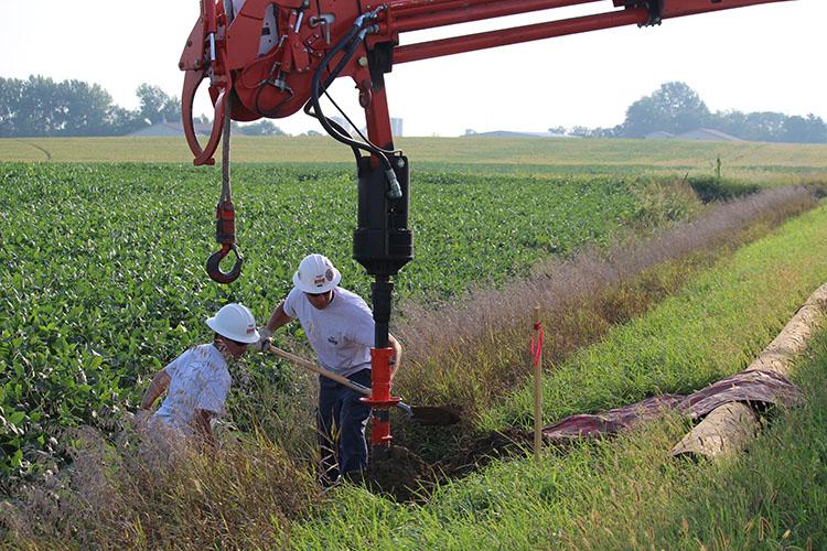 T&D_Apprentice Wrap Job_digging hole