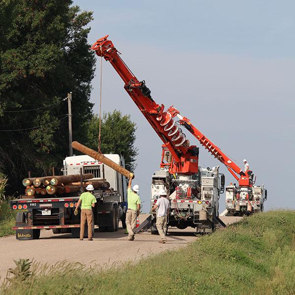 T&D_Apprentice Wrap Job_unload poles