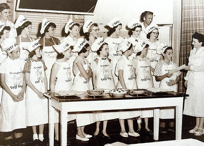 COM_Paula top 10_Cooking Classes 1948