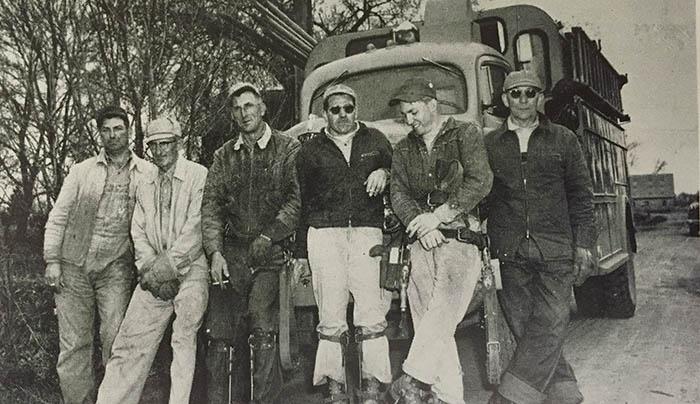 FLBK_Line crew_1956