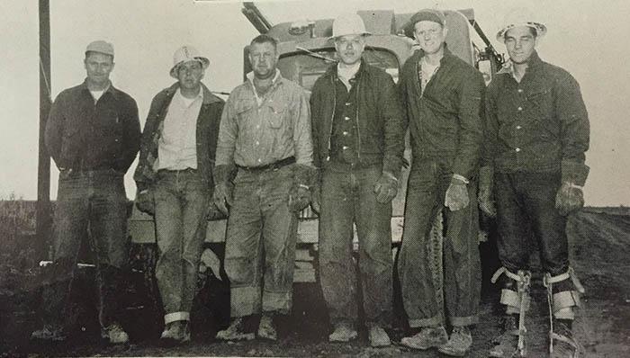 FLBK_Line crew_1956(2)