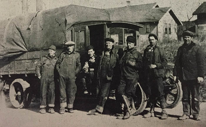 FLBK_Line crews_1927