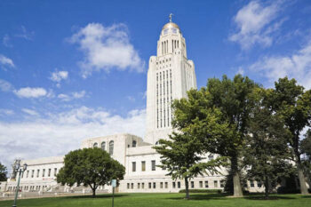 9561414 – lincoln, nebraska – state capitol building with the trees